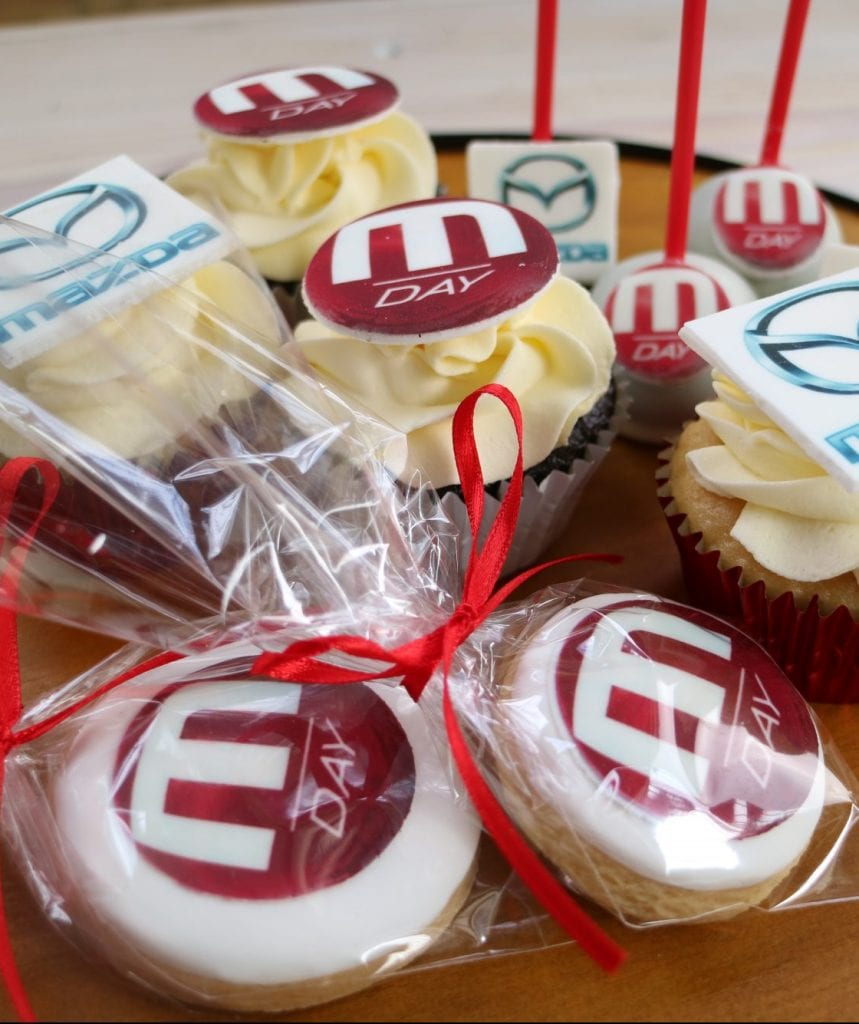 Custom Logo Cake Pops Cupcakes Biscuits