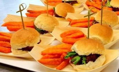 budget wedding DIY fingerfood sliders